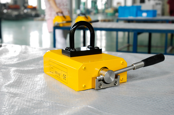 Type e permanent magnet lifting device